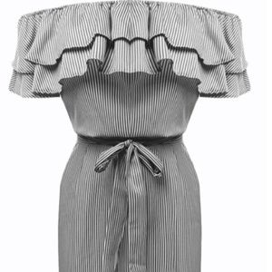 Dresses & Skirts - Ruffle dress